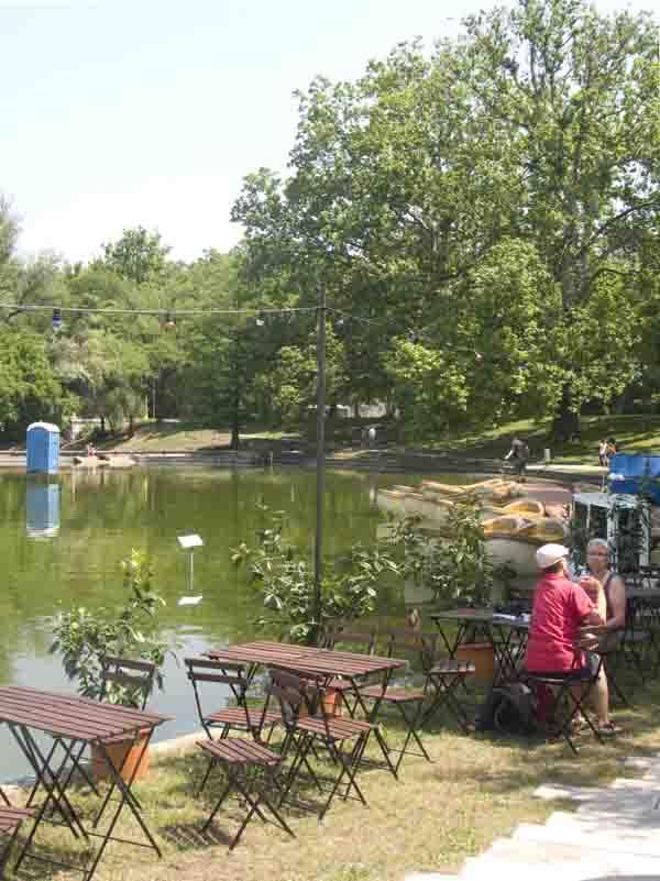 """Lakeside cafe near rowboats for rent at """"Art on Lake."""" (Photo: Jason edward Kaufman, (c) 2011)"""