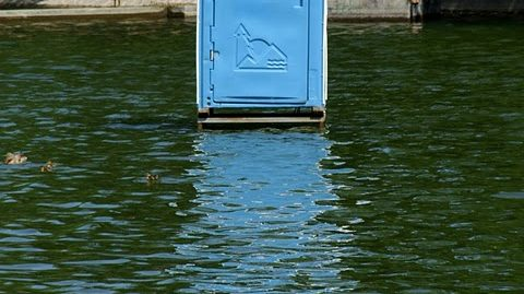 Via Lewandowsky set a plastic outhouse in an inconvenient location.